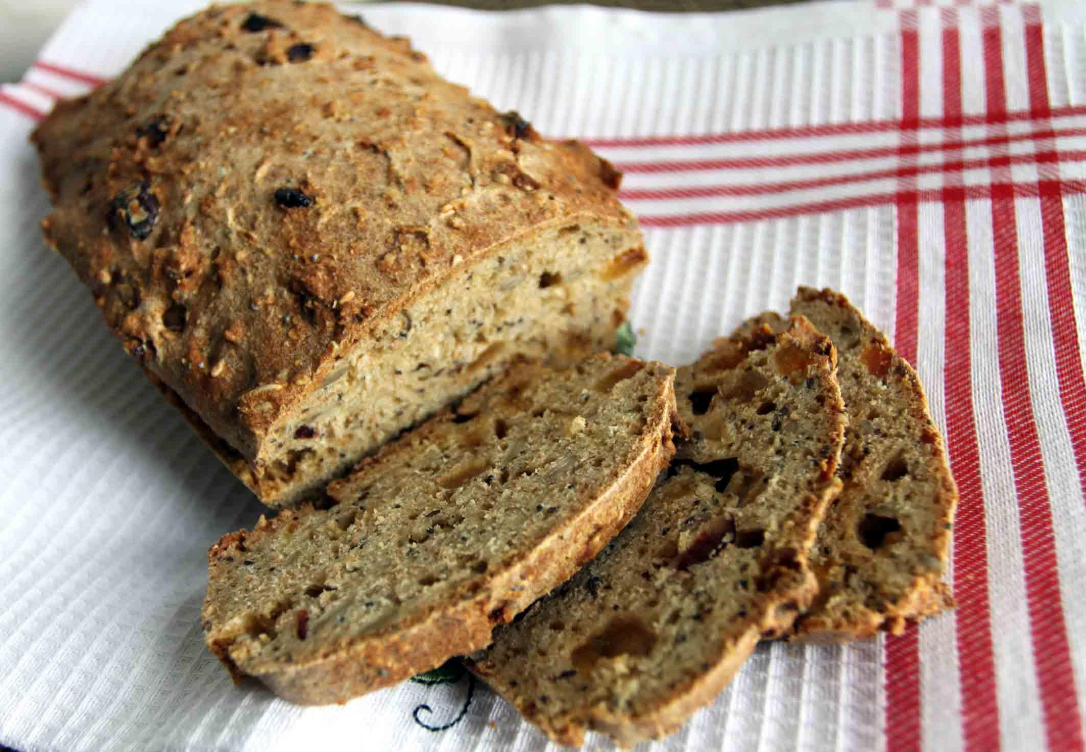 Бездрожжевой хлеб на кефире можно легко и быстро сделать дома!